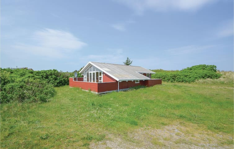 Holiday cottage with 3 bedrooms on 80 m² in Frøstrup