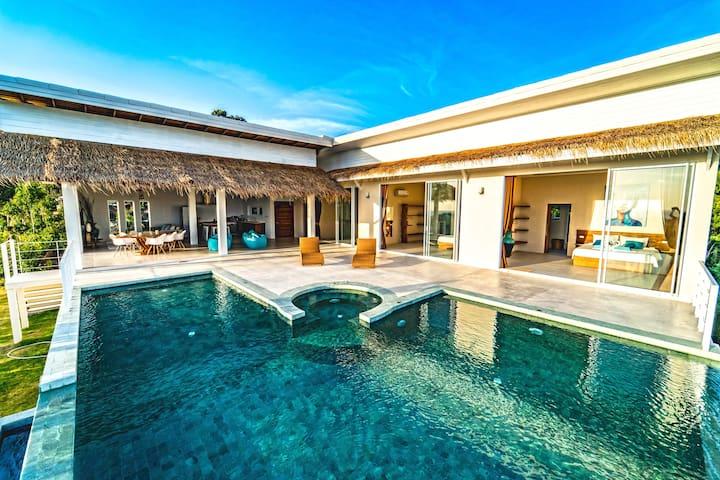 ✧NEW✧Superb 3BR Villa & Breathtaking 180° Sea View