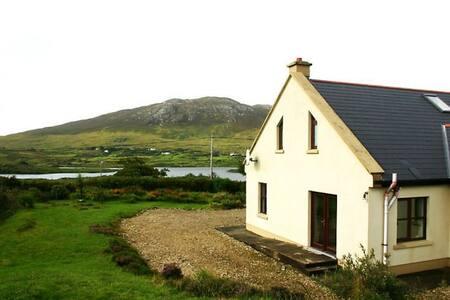 Cottage 303 Renvyle - Galway - Mökki