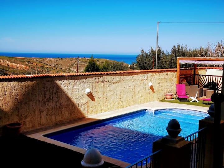 Villa NOOR piscine privée  Ghazaouet