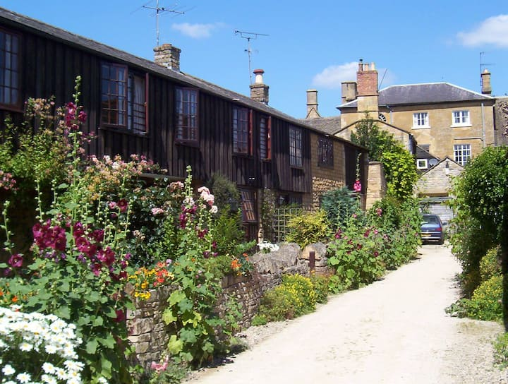 Centre Chipping Campden - 3 Bedroom Cottage for 5