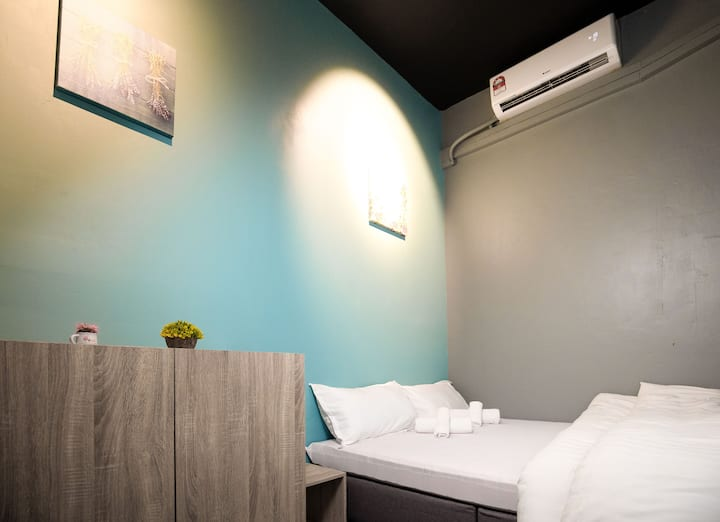 Vibrant Hostel Private Room # Queen Bed C