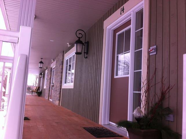 Wolfe Springs Resort 2 BR Villa