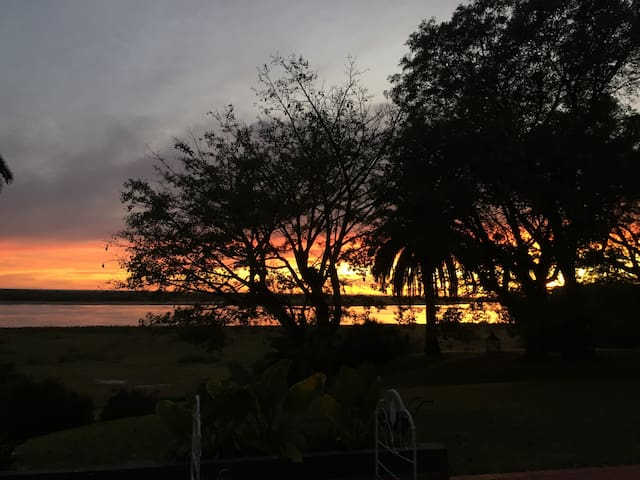 Estancia sobre la costa del Paraná