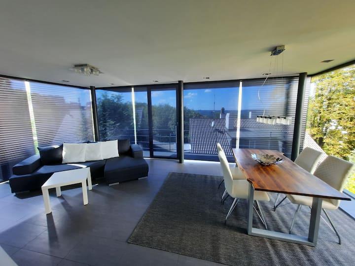 Panorama-Apartment über Stuttgarts Dächern