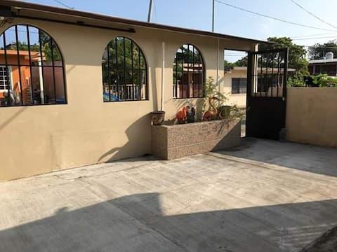 """Casa en Alvarado Veracruz """"El Mono Feo"""""""