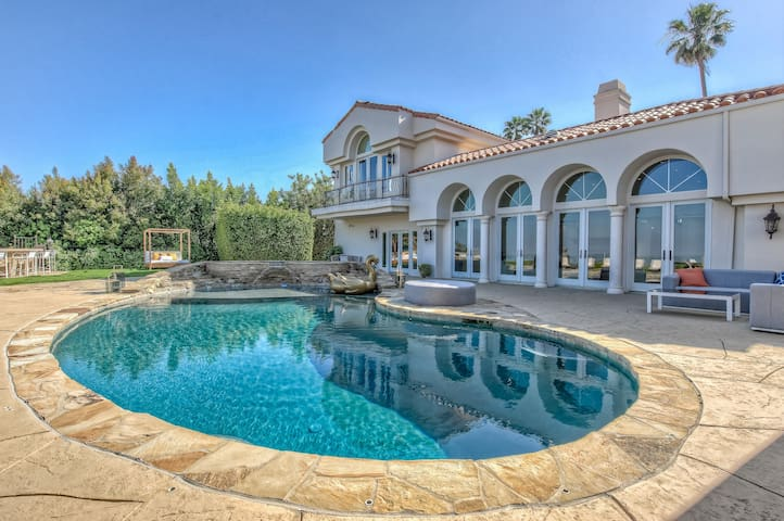 Beverly Hills Mansion | 6 Bed | Pool | City Views
