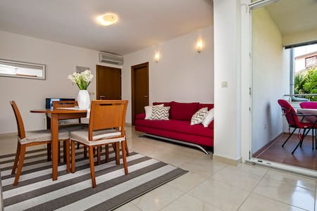 Villa Aura - Modern apartment two bedrooms (Red)