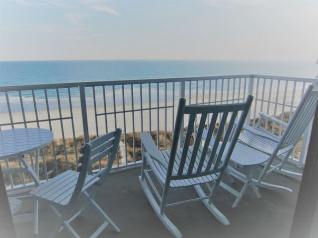 Wow! Breathtaking View From This Oceanfront Condo! - North Myrtle Beach - Condominium
