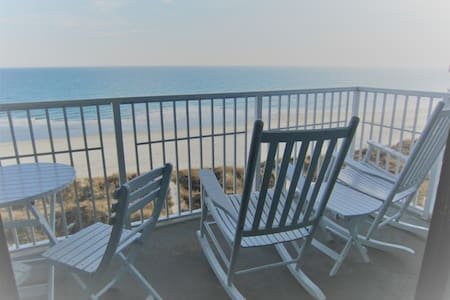 Breathtaking Views From This Oceanfront Condo! - North Myrtle Beach - Condomínio