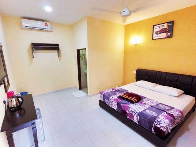 Double Chalet Room  (2 Mins to Cenang Walk)
