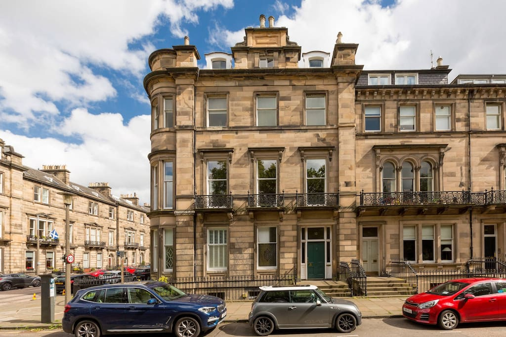 """Good amenities on offer in the house.. and amazing communication with the host/representative.. located among the better areas of Edinburgh and would not hesitate to stay there for the second time as well..."" ★★★★★ Abhishek, Aug 18."
