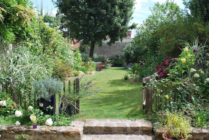 Grande maison bourgeoise en coeur de ville - Chaumes-en-Brie