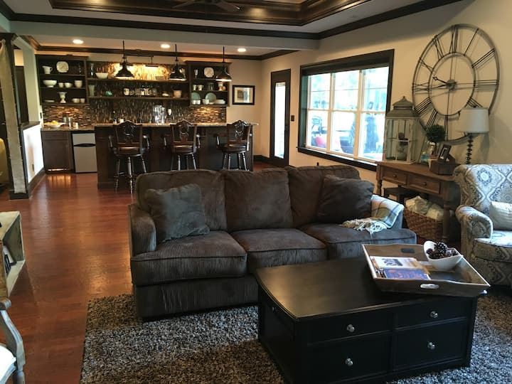 Luxury basement on golf course