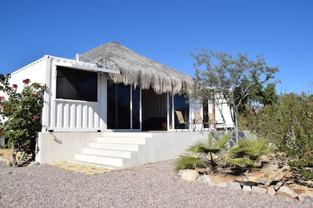 Shipping Container House near town and beaches. - La Ventana
