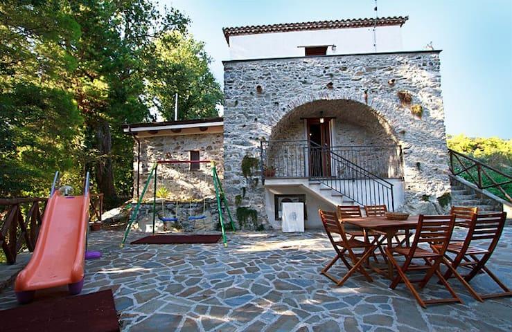 Piccolo casale immerso nel verde - Province of Salerno - Huis
