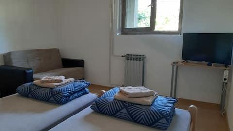 2 Bedrooms, kitchen, bathroom, terrace (garden)
