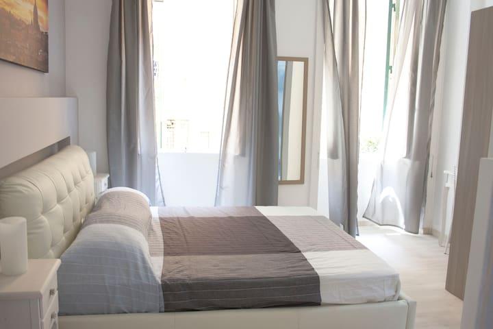 Cosmopolitan - Roma Termini Suites  2