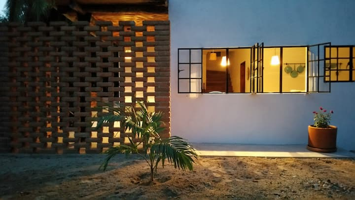 One Bedroom Apartment w/ AC & WiFi next to beach!