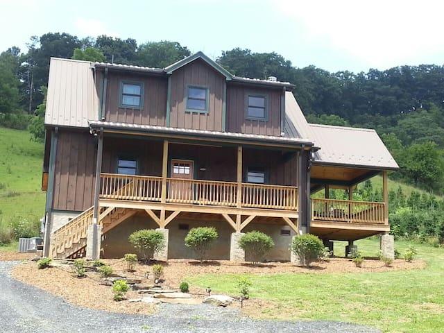 Bent Apple Cottage - Lansing - Holiday home