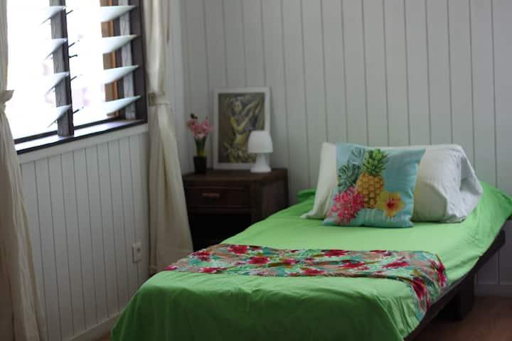 Chambre meublée dans la résidence Tiahura