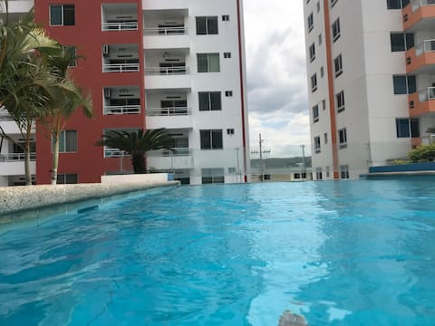 Departamento con 2 piscinas-jacuzzi y playa