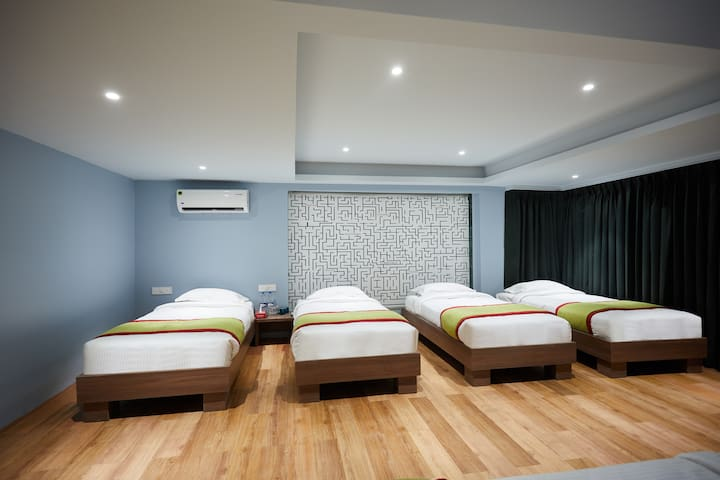 6 bed dormitory with all meals @Lonavala.