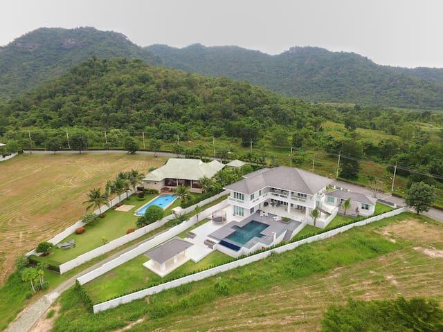 Palm Hills Golf Course Hua Hin Modern Villa