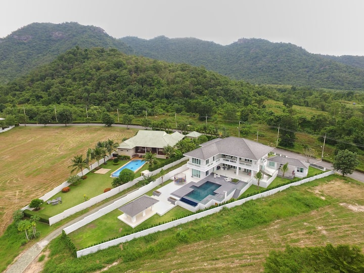Palm Hills Golf Course Hua Hin Modern Villa