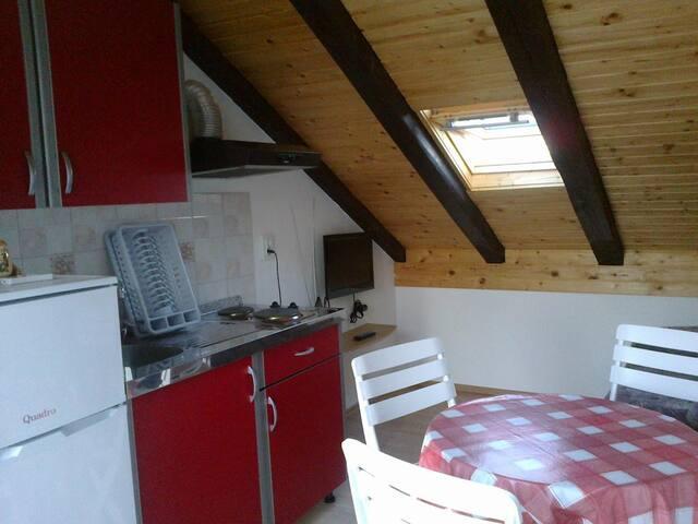 One bedroom apartment near beach Kali (Ugljan) (A-11015-b)