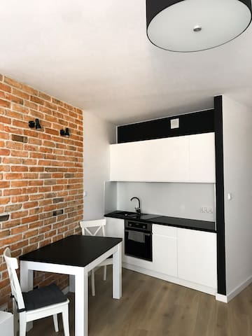 Super cozy studio apartment just 15 min from Rynek