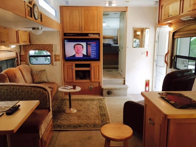 Urban farm RV home in Los Angeles - Los Angeles - Camping-car/caravane