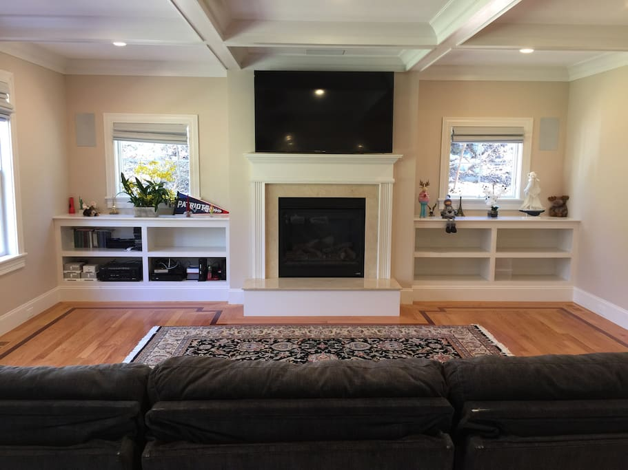 Large family room with movie theater surround sound system