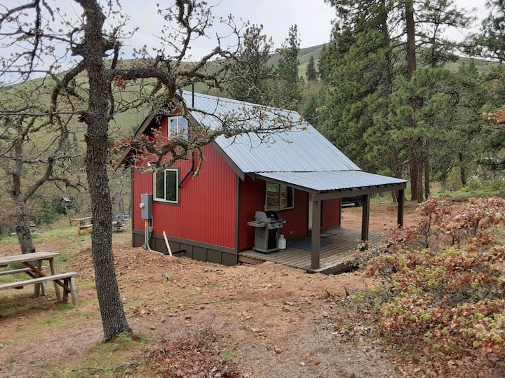 Sunshine Cabin: Hikers and Bicyclers