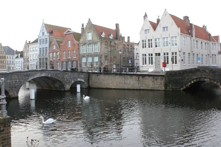 All of Bruges with view on the Canals - Brugge - Apartmen