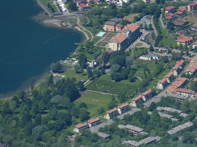 Villa with direct access to Lake Lugano 8-12 pers. - Porlezza - Huis