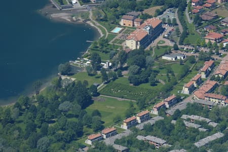 Villa with direct access to Lake Lugano 8-12 pers. - Porlezza