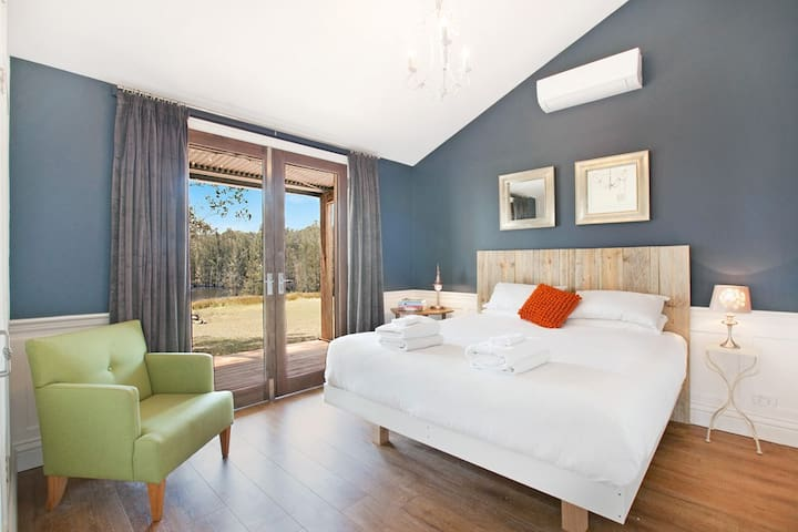 Hunter Valley Tree Tops King Villa Spa Lake Views - Belford