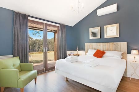 Hunter Valley Tree Tops King Villa Spa Lake Views - Belford - Villa