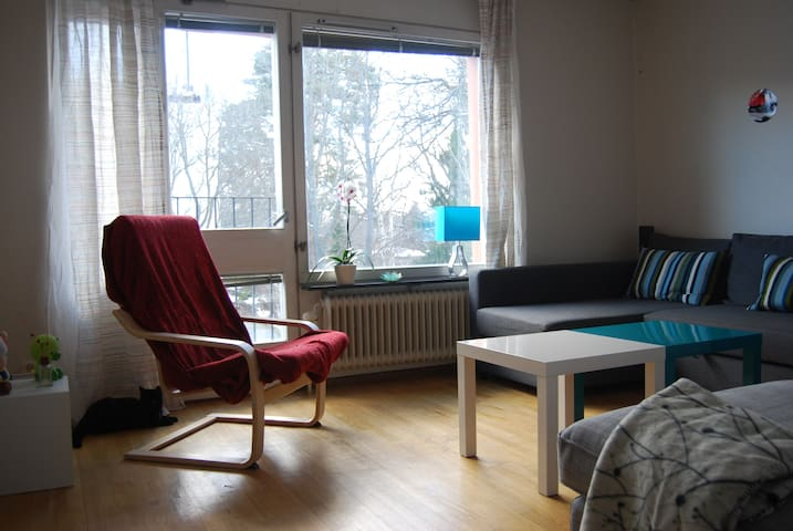 Apartment with 2 cats, 25min Stockholm - Kallhäll - Appartement