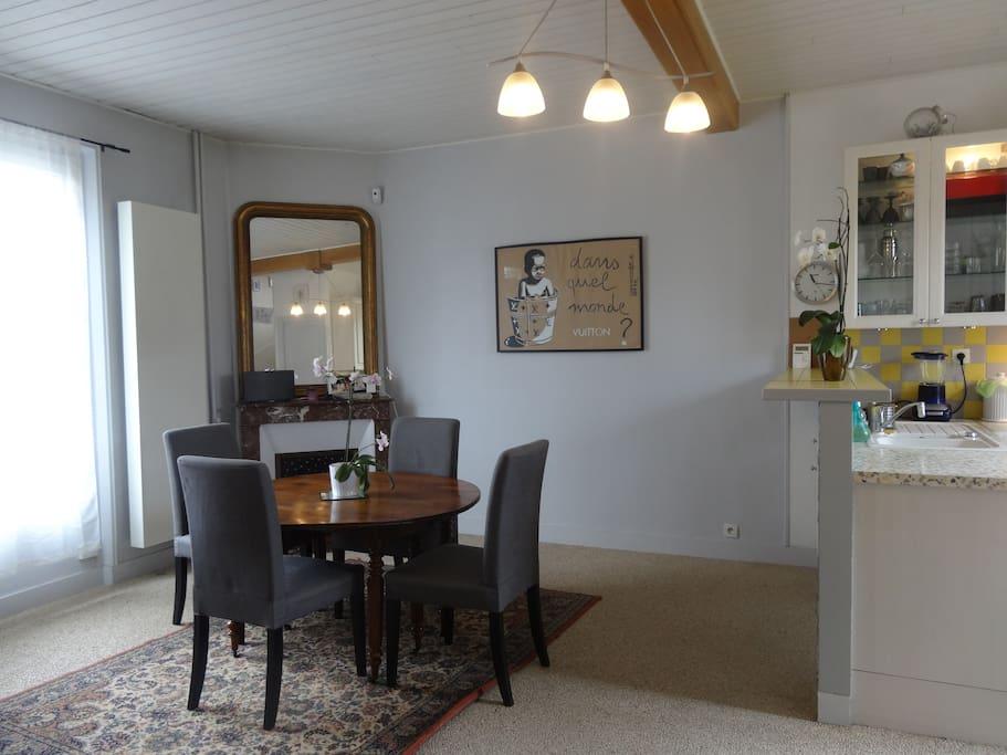 Salon Salle à manger ouvert sur la cuisine