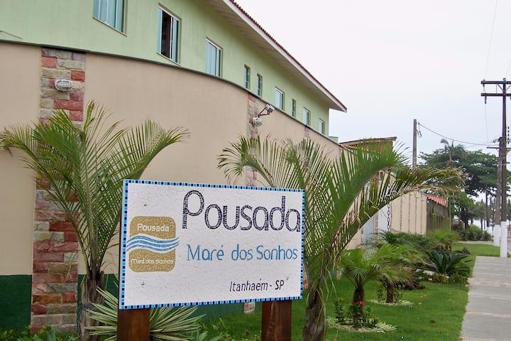 Sua casa, fora de casa, em Itanhaém. (Pousada)