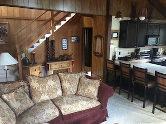 Lake Almanor Country Club Retreat