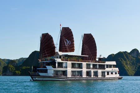 Luxury package on 5* CRUISE in Halong bay_02 DAYS - Quang Ninh - Boot