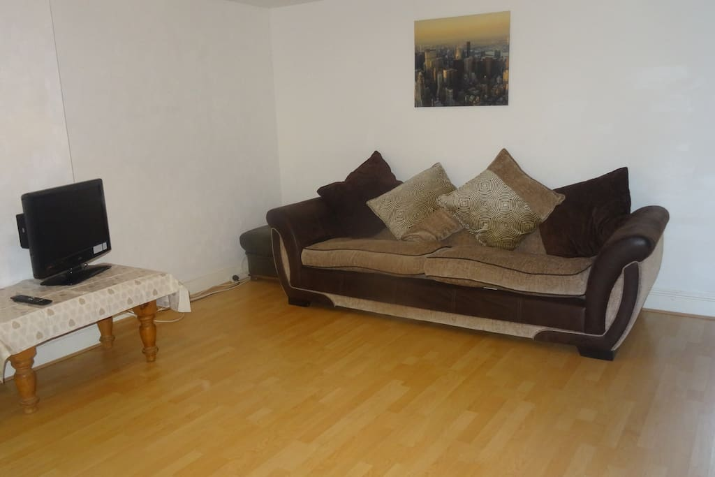 Comfortable modern laminate floored lounge. Flat Screen T.V. and DVD. High Speed Internet.