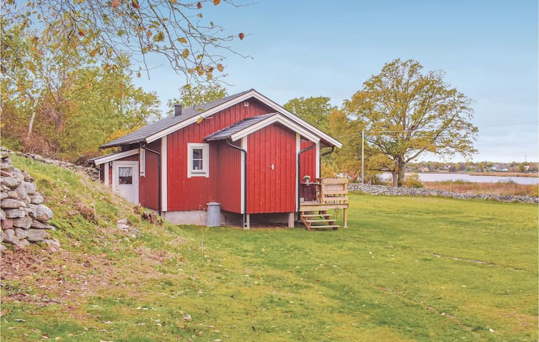 Holiday cottage with 1 bedroom on 50m² in Sturkö
