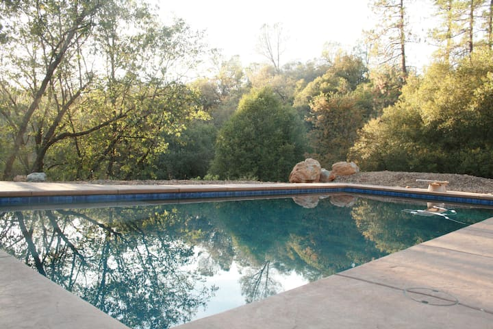 Hilltop retreat with views, pool, hot tub