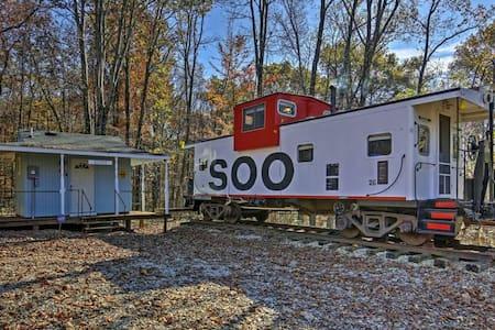 Unique 1BR Springville Railroad Caboose Cabin! - Springville
