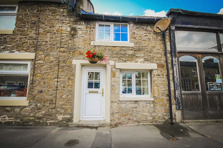 'Oh So Snug' Chic cottage, Whalley Ribble Valley