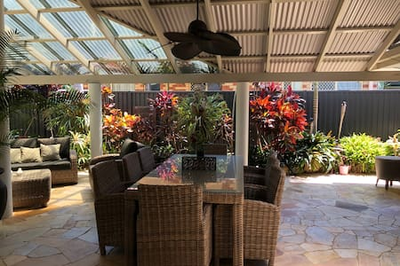 Heart of Gold Coast and close to airport
